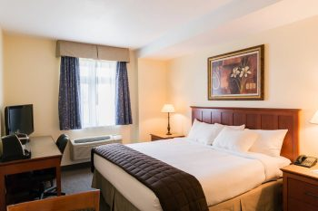 hotel-st-bernard-quebec-new-york-border-rooms